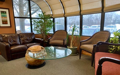 Welcoming front lobby and wait room at David Paulussen, DMD in Hackettstown, NJ